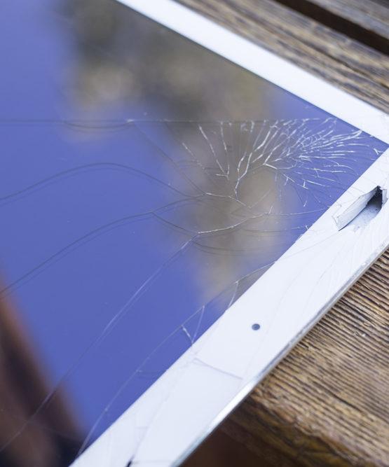 como-reparar-la-pantalla-del-iPad-rota
